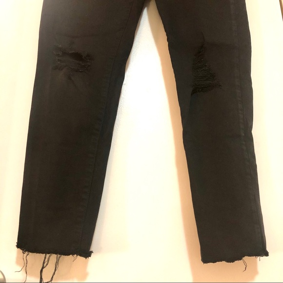 AMERICAN EAGLE black distressed jeggings